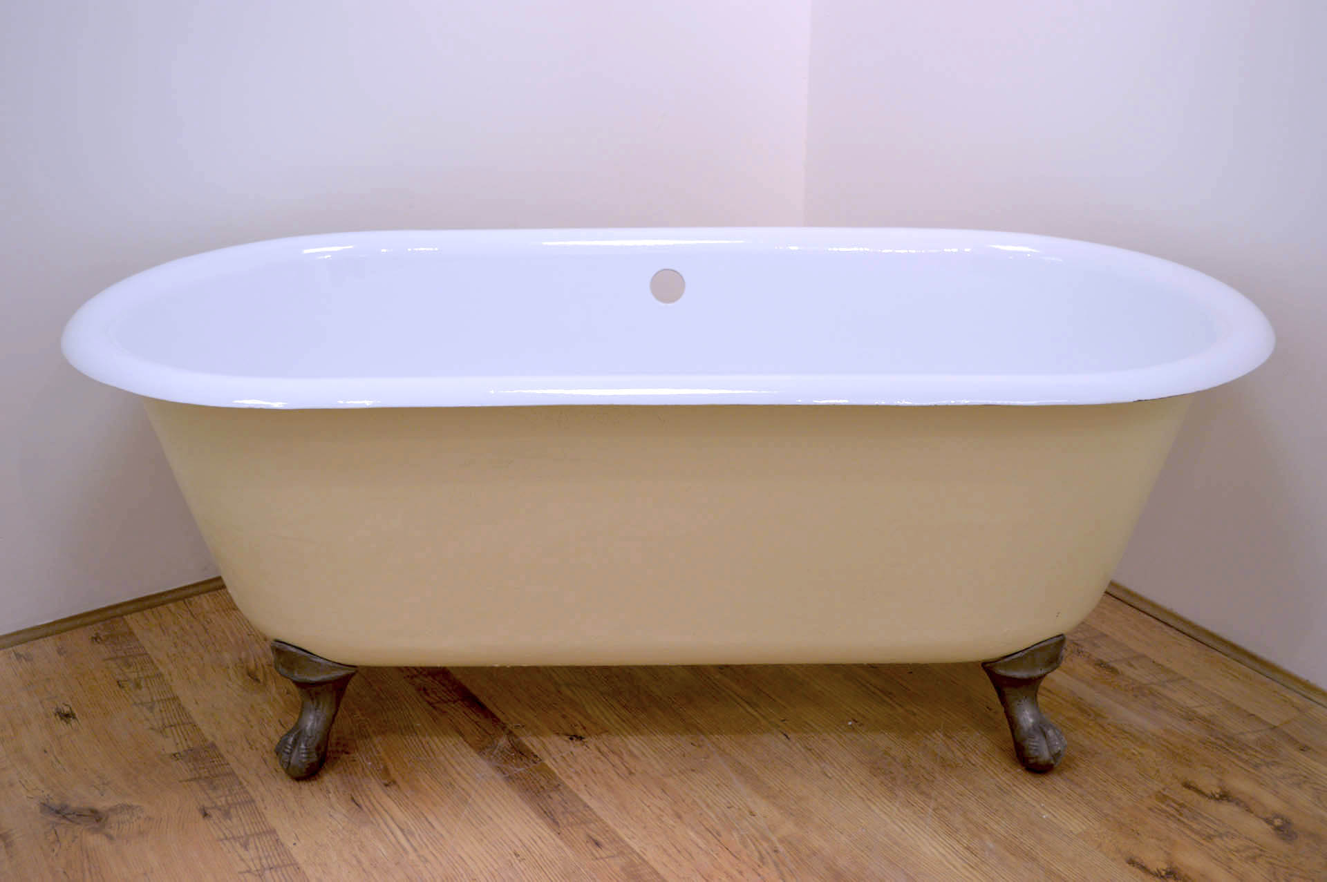 Cast iron bath for sale standard french double ender for Bathroom baths for sale