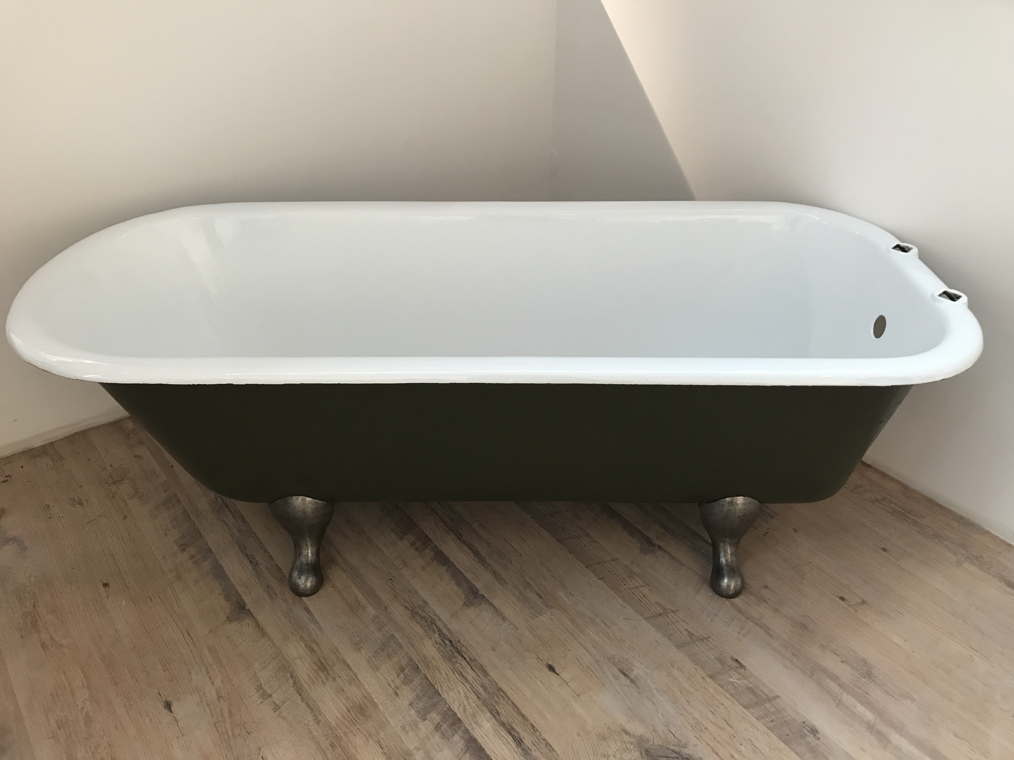 Cast Iron Bath for Sale - Traditional English Roll Top Bath